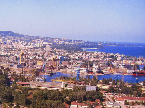 Varna Bulgaria  city photo : ... traffic of Port Varna grew by 12% in 2010 Varna, Bulgaria News